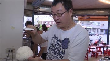 火鍋店推10元白飯任裝 男童練就盛飯神技