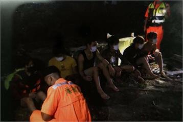 快新聞/越南偷渡客跳海自墾丁上岸 33人被逮還有人成功脫逃遭全面查緝中