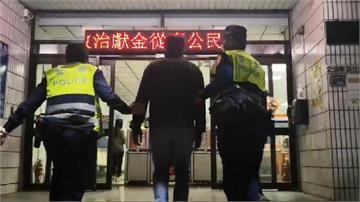 快新聞/高市KTV招牌元宵節遭潑汽油 歹徒落網供稱與小吃部股東有債務糾紛