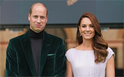 重現「10年前」舊衣 凱特王妃「希臘女神裝」網驚:美如紫色玫瑰!