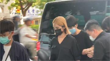 快新聞/楊丞琳首出席活動後 換上黑衣奔小鬼靈堂悼念