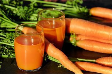 防曬可以用吃的!抗曬美白胡蘿蔔蘋果汁  擋紫外線還防黑色素沉澱
