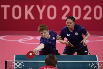 東奧/桌球女團8強賽「台日友情對決」 蔡英文讚台灣3選手:給妳們最大的掌聲!