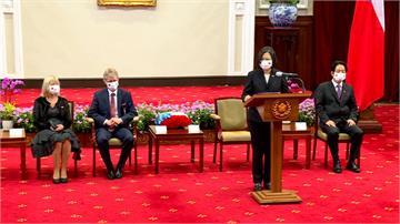 接見捷克參議長韋德齊 蔡總統:公理正義不會不到