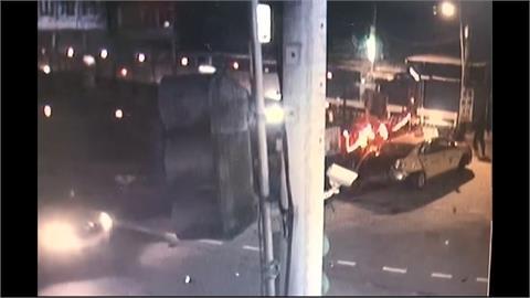 持刀搶小黃司機被拒 嫌霸佔駕駛座搶「小黃」
