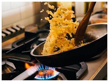 先炒蛋還是飯?達人曝蛋炒飯「神招」:焦香味十足又粒粒分明
