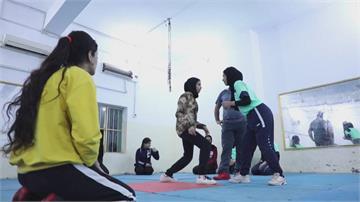力抗性別刻板印象 伊拉克組「女子角力隊」