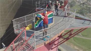 南非好手范唐德挑戰50公尺攀繩 速度創紀錄