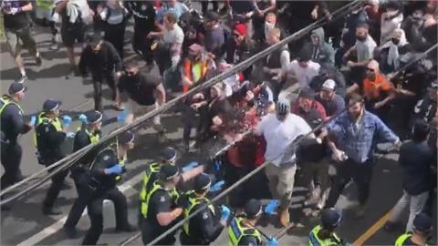 不滿封城沒自由!墨爾本千人上街抗議 警民爆發嚴重衝突