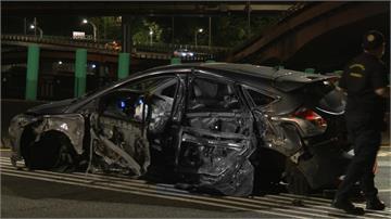 疑轉彎車速過快 轎車自撞駕駛噴飛當場死亡