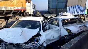 台61線西濱雲嘉交界 20車連撞2死8傷