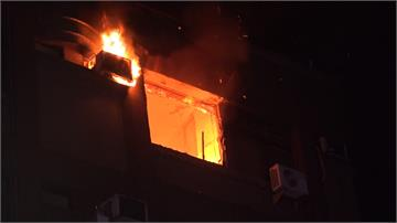 情侶爭吵釀禍?公寓暗夜火警一男成焦屍