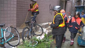 垃圾會長大!大樓牆邊出現垃圾山 環保局火速清理 再亂丟就開罰