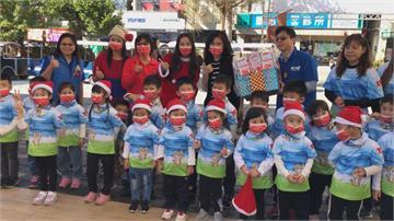 過節別忘防疫應景耶誕口罩送學童
