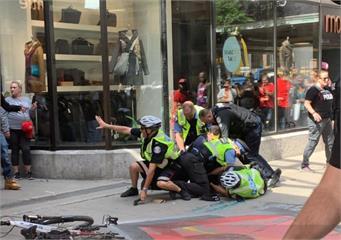 多倫多暴龍冠軍遊行驚傳槍響 4受傷2嫌犯被捕