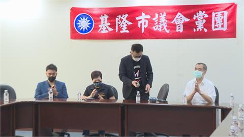 江啟臣拜會基隆議會黨團尋求支持 議員雙手抱胸、氣氛凝重