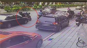 駕照註銷1年 無照上路83歲老翁駕車失控 釀1死4傷