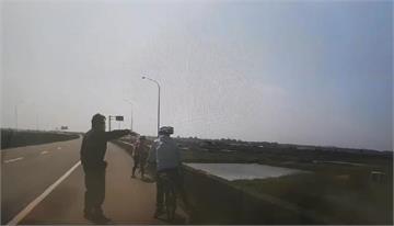 快新聞/又是導航出槌!夫妻騎單車竟騎上61線西濱快 20公里才下交流道