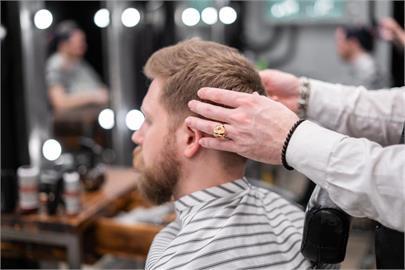 百元剪髮也能賺大錢?內行人曝「背後真相」:1顆頭不到15分鐘