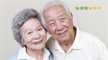為什麼人會變會老? 陽明交大最新研究告訴你答案