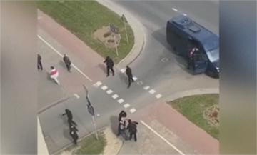 白俄遊行尚未開始 警察先逮人