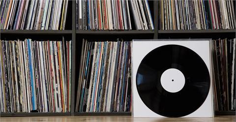 三十多年頭一遭 英國黑膠銷量就要超越CD