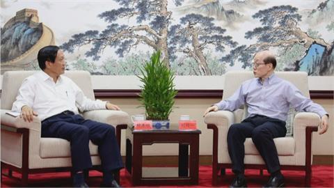 商總主席賴正鎰赴北京拜會劉結一 合照曝光!陸委會:以商逼政