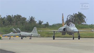 朱冠甍殉職 F5機型檢修 今復飛空軍司令同乘飛行