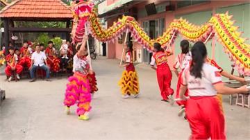 落實男女平等!越南女性投入舞龍舞獅表演