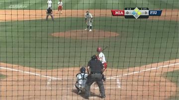 鬣蜥亂入棒球場!  NCAA賽事中斷1分24秒