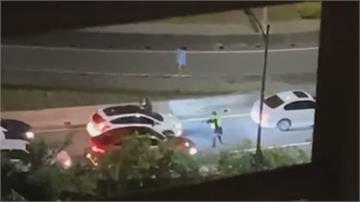 拒檢狂逃!警匪追逐狂追3公里「連開11槍」 嫌犯關渡大橋前棄車落跑