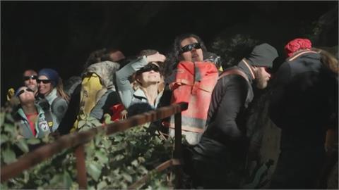 躲山洞40天40夜重見天日 法國受試者:想再多待幾天
