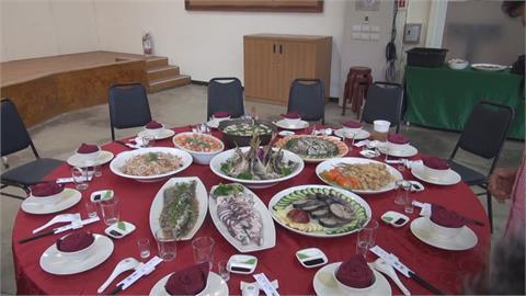 酥脆炸白帶魚骨、鱘龍魚魚筋入菜 請媽媽開心吃