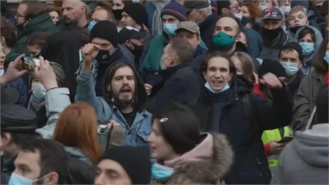 納瓦尼健康惡化 俄民眾大規模抗議聲援 上千人被逮