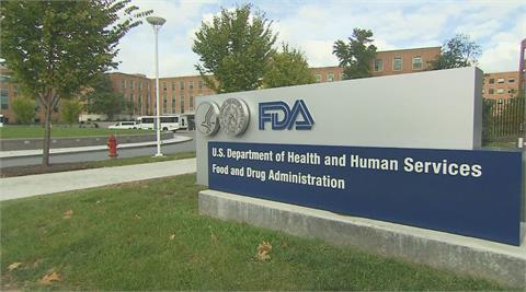 FDA允許混打加強劑 警察接種令踢鐵板