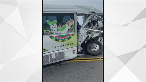 台9線香金二號橋 小巴對撞休旅車婦人受困車內一度回堵3公里