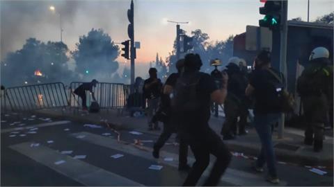 反對醫護強制打疫苗令 希臘示威爆警民衝突