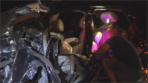 開夜車回南部普度 追撞國道工程車釀2死1傷