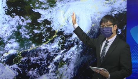 快新聞/西南風影響兩樣情 南高屏炸大雷雨、北部東部飆36度高溫恐有焚風