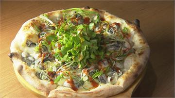 台中人的回憶!鮮蚵披薩配東泉辣醬 像吃蚵仔煎