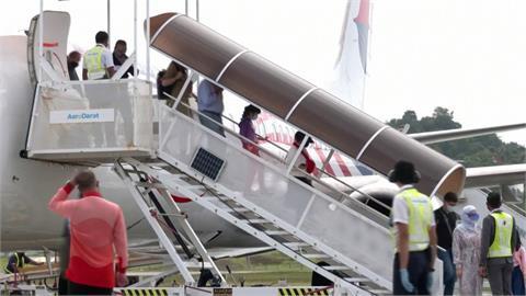 馬國首開放國內旅遊泡泡!159人飛抵蘭卡威