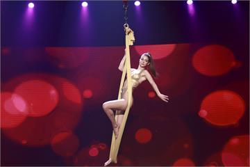 《民視第一發發發》安妮神級專業展現力與美!展現獨家「空中酒杯水舞」