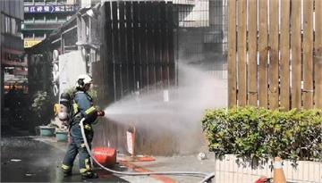 快新聞/北市大安區大樓突冒火舌 補習班數十名學童緊急疏散