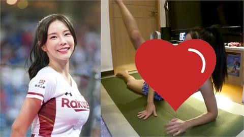 好香!巫苡萱居家運動「火辣曲線全洩」 秀棒式痠到想叫媽媽