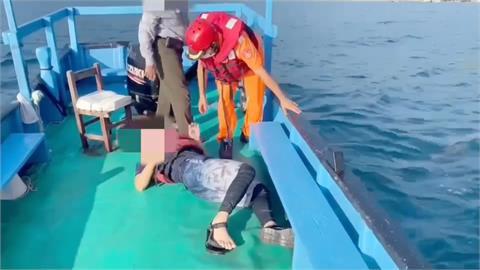 驚險!宜蘭東澳划獨木舟突然中風 男子受困外海 漁民、海巡聯手救援