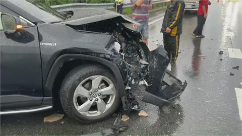 休旅車打滑失控 國道3號三車連環撞