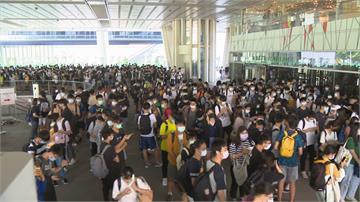 國慶連假後要期中考  圖書館外考生排隊等搶位