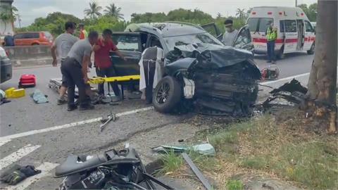 知本路段小客車自撞路樹 2人受困3歲童昏迷
