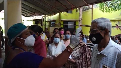 印度單日暴增14萬5千確診 第二大邦封城