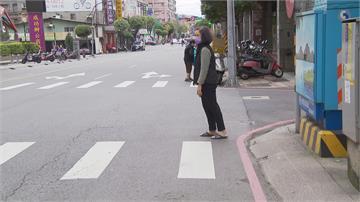 這斑馬線給誰走? 公共設施5路障擋路